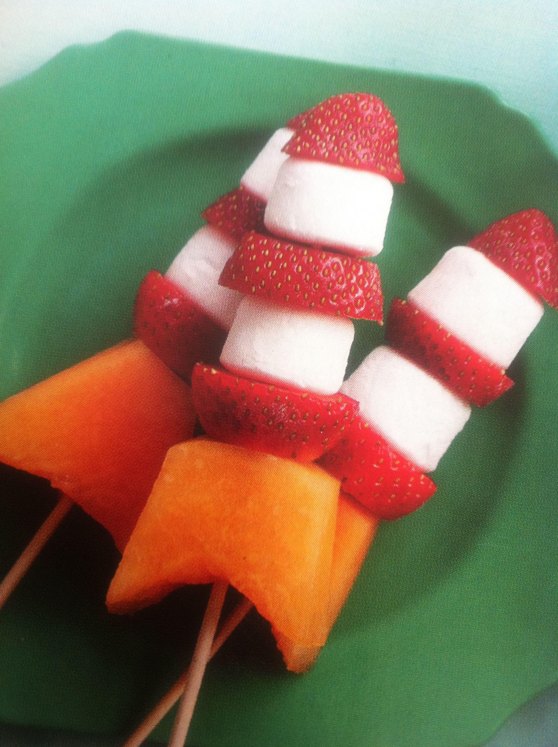 Rocket Fruit Skewers Yoyobirthday