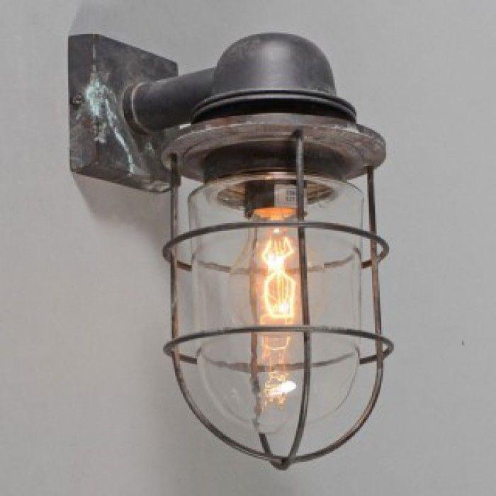 stoere wandlamp op vele manieren toepasbaar bijv. badkamer boven ...