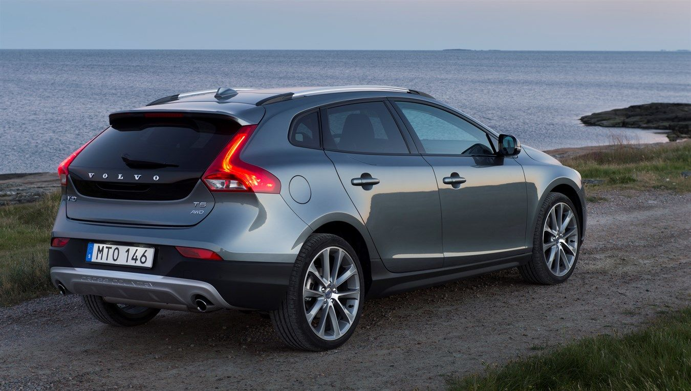 Volvo V40 Cross Country - model year 2016, exterior, color