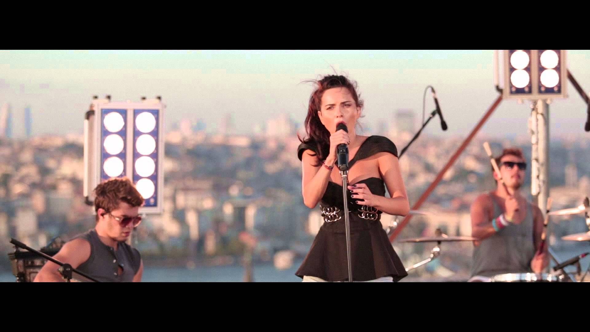 Inna Inndia Rock The Roof Istanbul Music Videos Music Station World Music