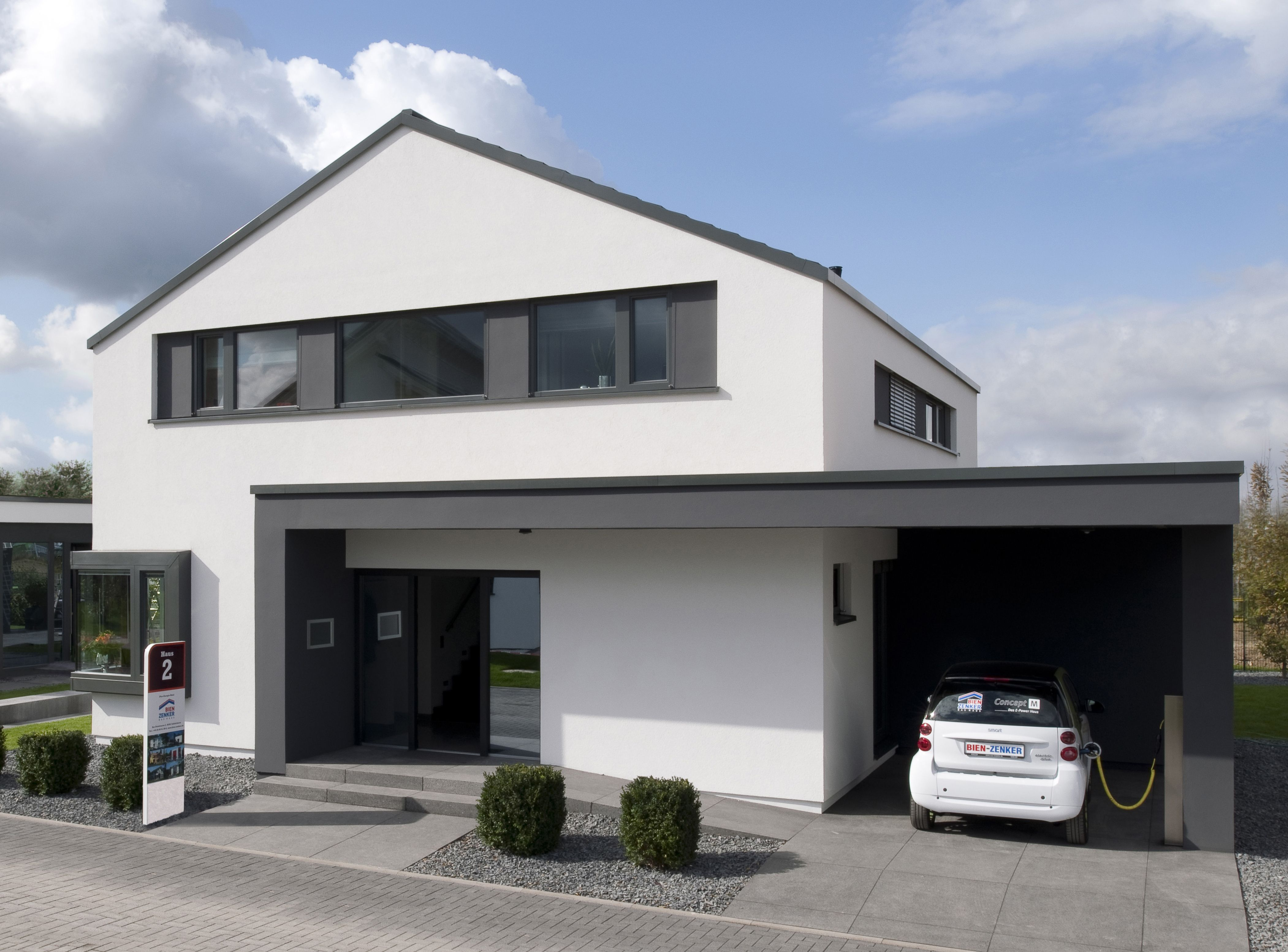 Stadtvilla Satteldach Moderne Architektur Dortmund: Hauseingang / Vorgarten