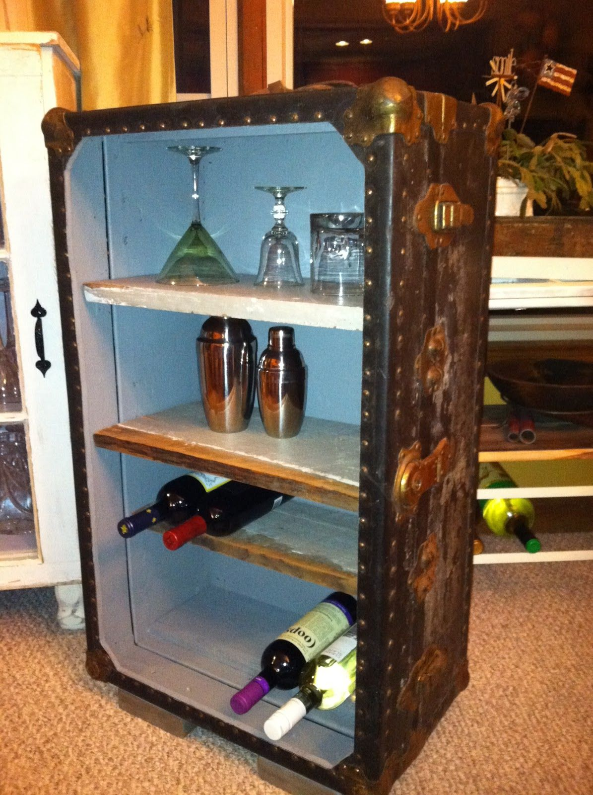 Another really cool idea: Old trunk into a mini bar ...