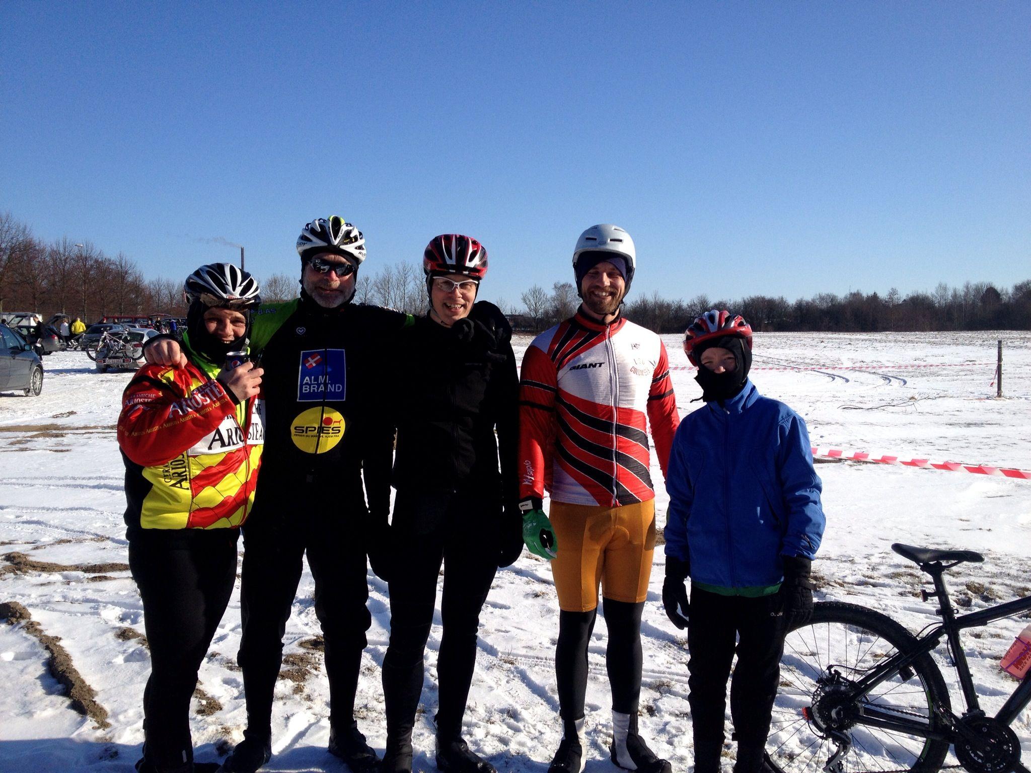 Iver, mig, Søren, Sune og Tobias samler ind til Cykle Mod Cancer indsamling imod kraft.