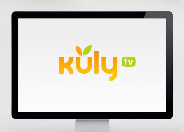 """Diseño de logotipo para Kuly TV, un canal de televisión on-line donde se ofrecen reportajes, noticias y shows relacionados con el mundo de la gastronomía y la restauración. El logotipo está basado en una tipografía de la familia de la """"century gothic"""" personalizada en algunos detalles como la """"k"""" o la """"y"""" ."""