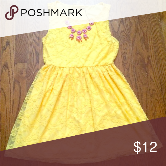 Sold - Bright summer dress Yellow lace dress with polyester lining - perfect for summer time. Forever 21 Dresses