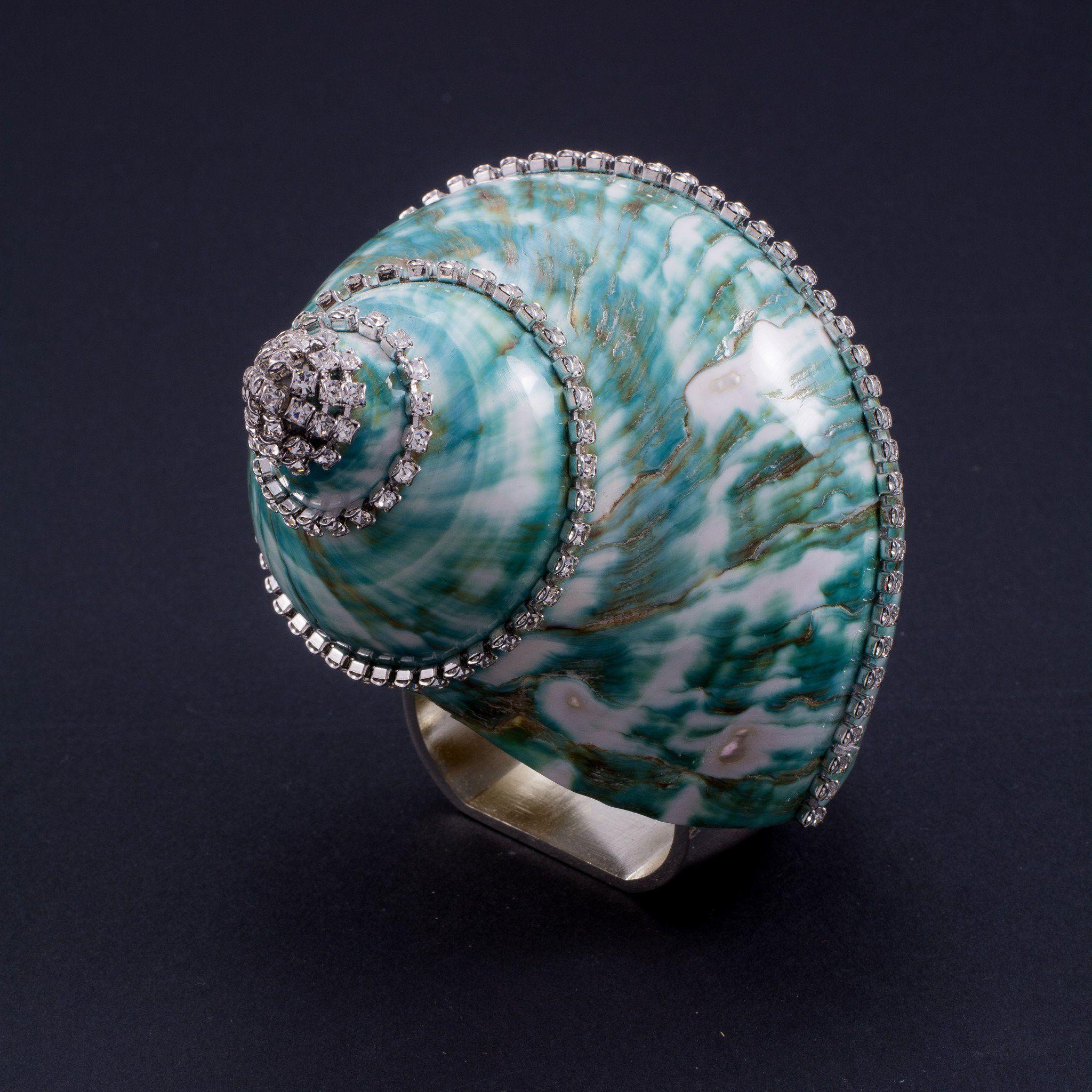 Napkin Rings Featuring Swarovski © Crystals and Jade Turbo Seashell   Set of 4