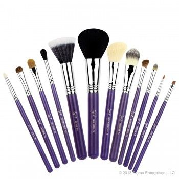 Essential Kit – Make Me Crazy - $178.00 - In stock - Introducing the new 'Make Me Up' collection! Our best selling professional 12 brush kit now comes in beautiful colours and inside a durable and multifunctional container! Besides protecting your brushes, this exclusive container transforms into two stylish brush holders!