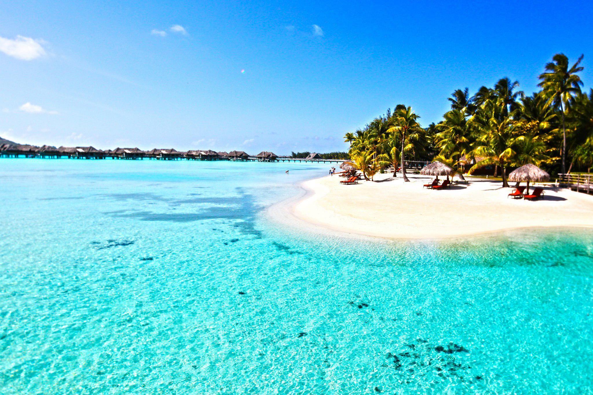 beautiful lagoons | beautiful perfect clear blue lagoon ...