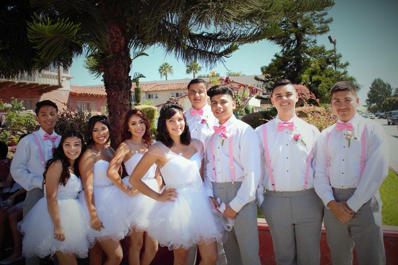 Quinceanera Girl And Her 14 Escorts 7 Damas And 7 Chambelanes