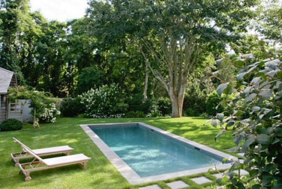 Simple And Shallow Small Backyard