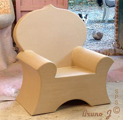 fauteuil ou siege en carton otjimbakete pinterest cardboard furniture cardboard chair and. Black Bedroom Furniture Sets. Home Design Ideas