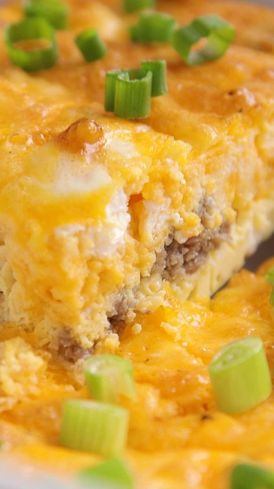 Keto Breakfast Casserole with Sausage and Eggs (Lo