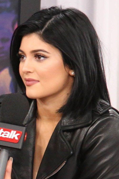 Kylie Jenner Straight Black Bob Hairstyle Kylie Jenner Short Hair Kylie Jenner Black Hair Jenner Hair