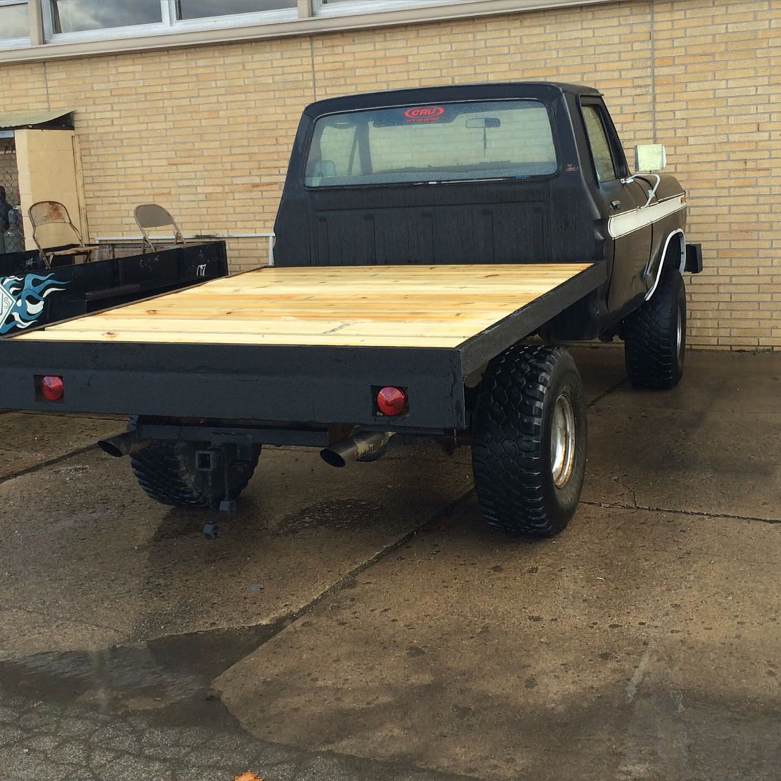 1978 ford f 150 ranger that a welded and made a flatbed to put on it truckin awsomeness. Black Bedroom Furniture Sets. Home Design Ideas