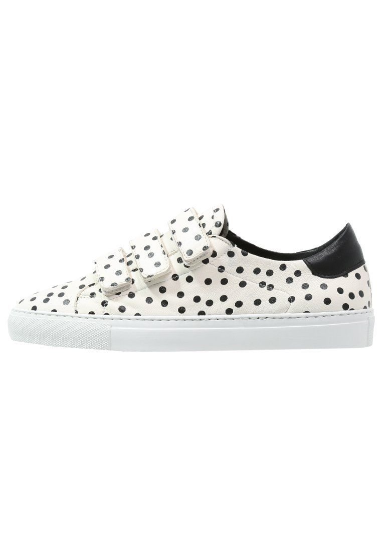 Weekend Maxmara Brunico Tenisowki Biale W Czarne Kropki Black White Fashyou Pl Sneakers Black Shoes