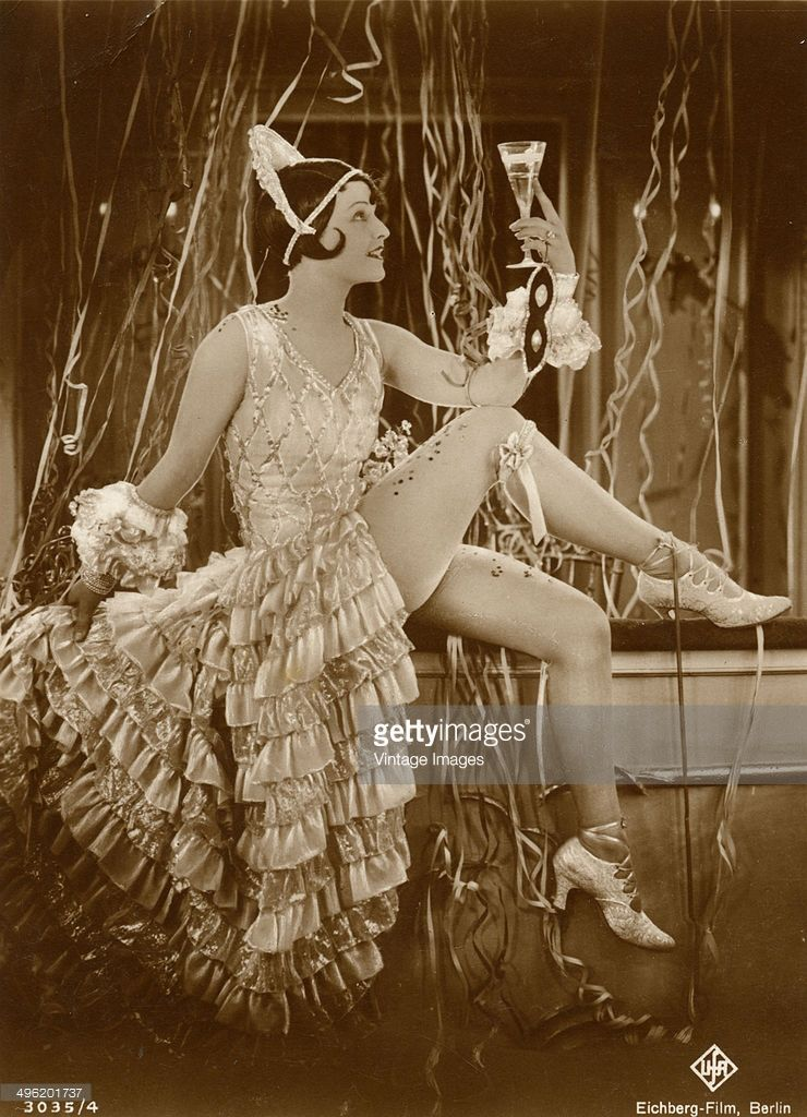 British-born actress Lilian Harvey (1906 - 1968) in a publicity still for an Eichberg-Film production from Universum Film AG (UFA) in Germany, circa 1926.