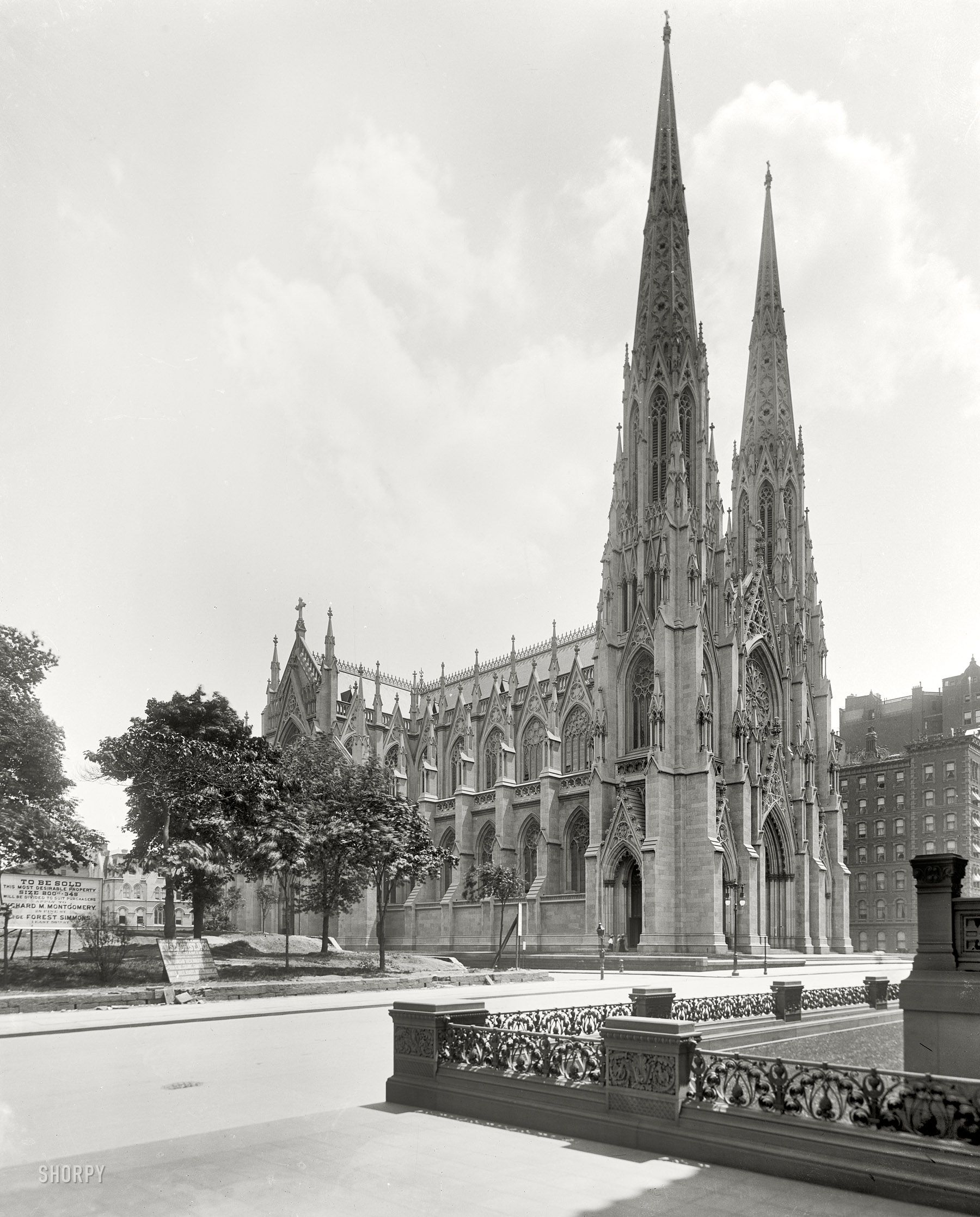 St. Patrick's Cathedral, shot from between the twin Vanderbilt mansions on Fifth Avenue; Shorpy Historical Photo Archive :: St. Pat's: 1905