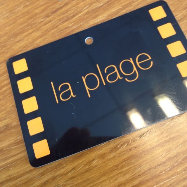 LE badge. La plage Orange. Festival de Cannes #cinema #studio37