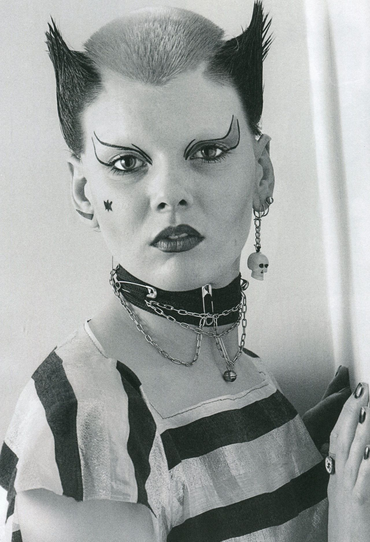 Between Punk Goth Soo Catwoman Photographed By Ray Stevenson