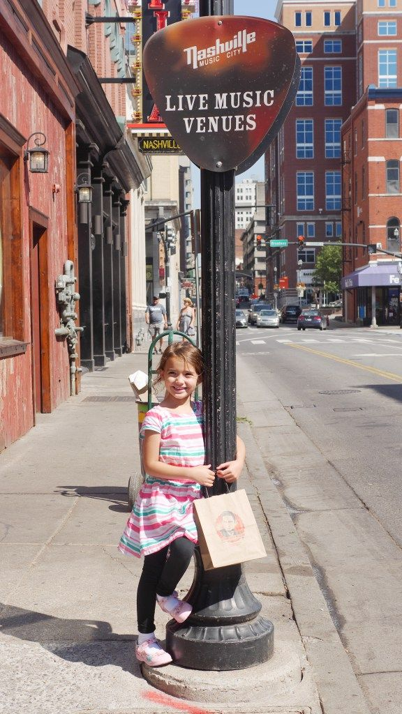 4 Kid Friendly Places In Downtown Nashville Found On Www Theresasreviews