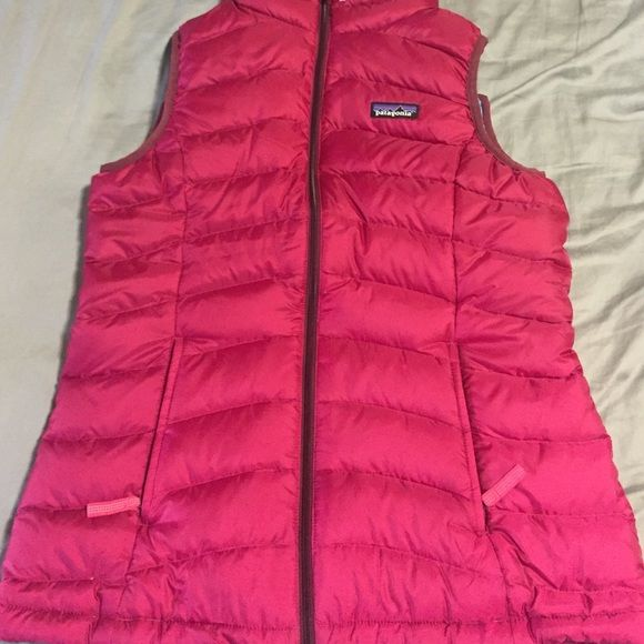Pink Patagonia Vest Size 14 for kids. Pink patagonia vest that is 100% brand new and authentic! Patagonia Jackets & Coats Vests