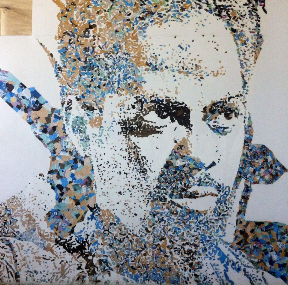Papel reciclado em parede. MAR, Museu de Arte do Rio, Rio de Janeiro, Brasil