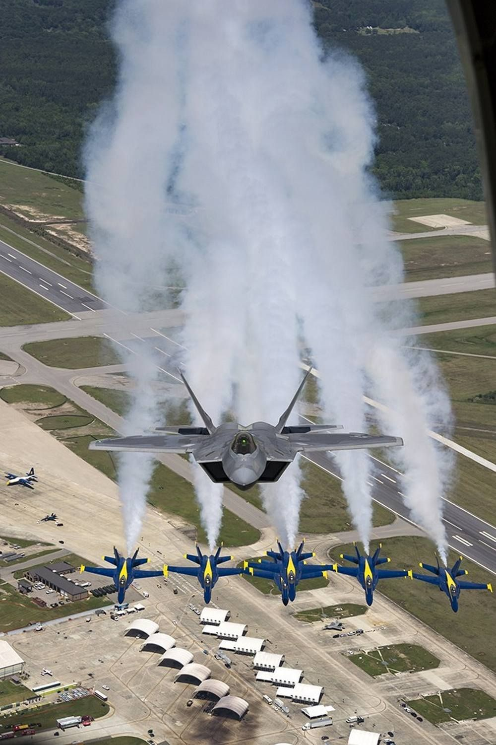 F22 Raptor Flying With The Blue Angels Blue angels, Us