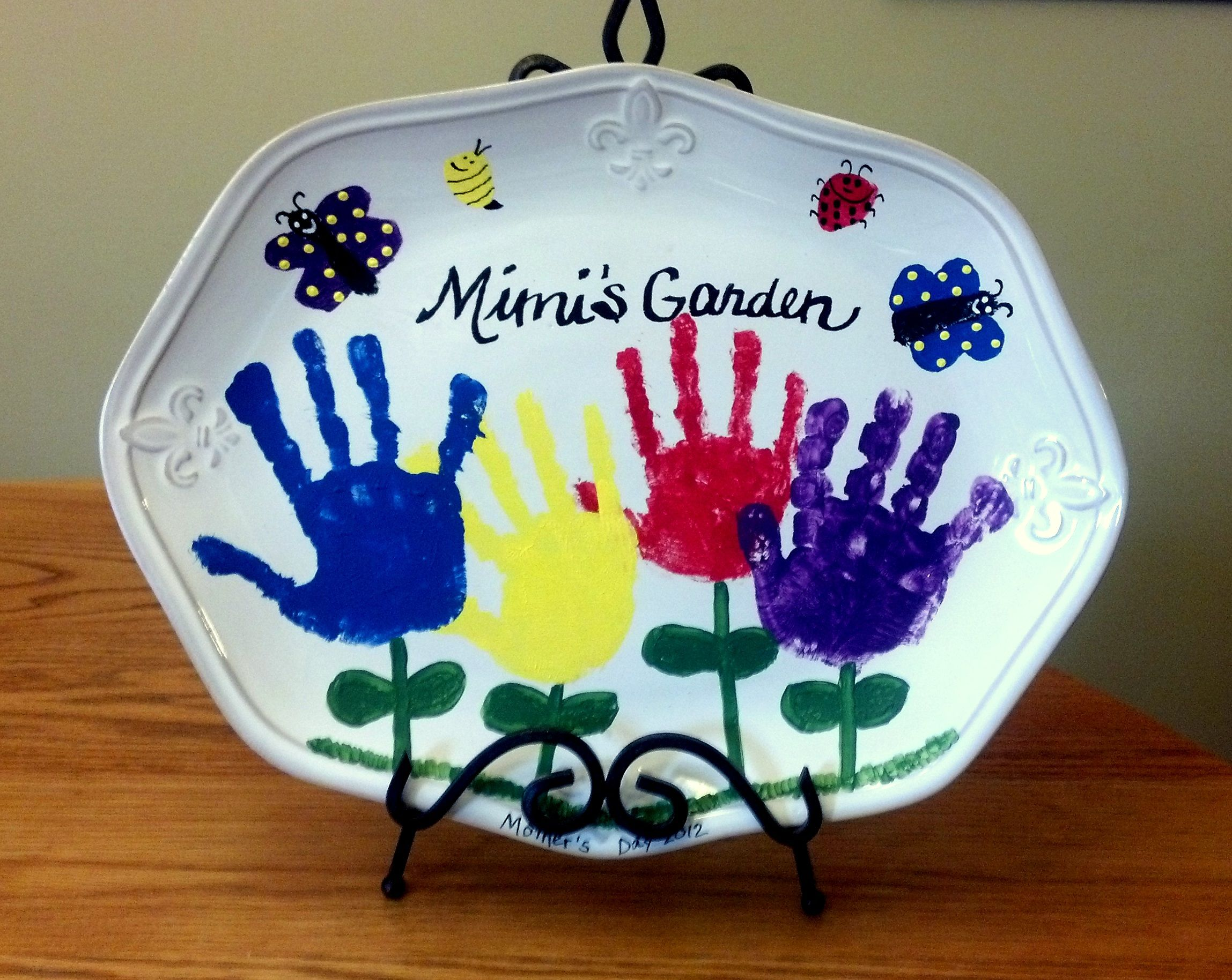 How To Make Handprint Art On Ceramics Xmas Gifts