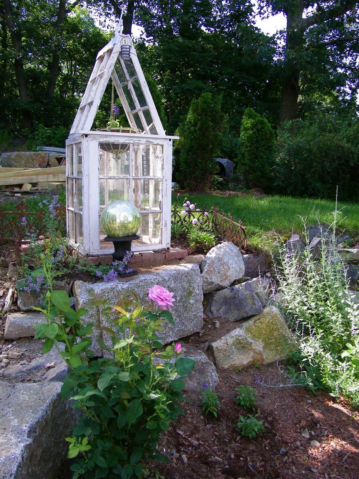 Maison Decor: Garden house gets antique fencing   FOR THE GARDEN ...