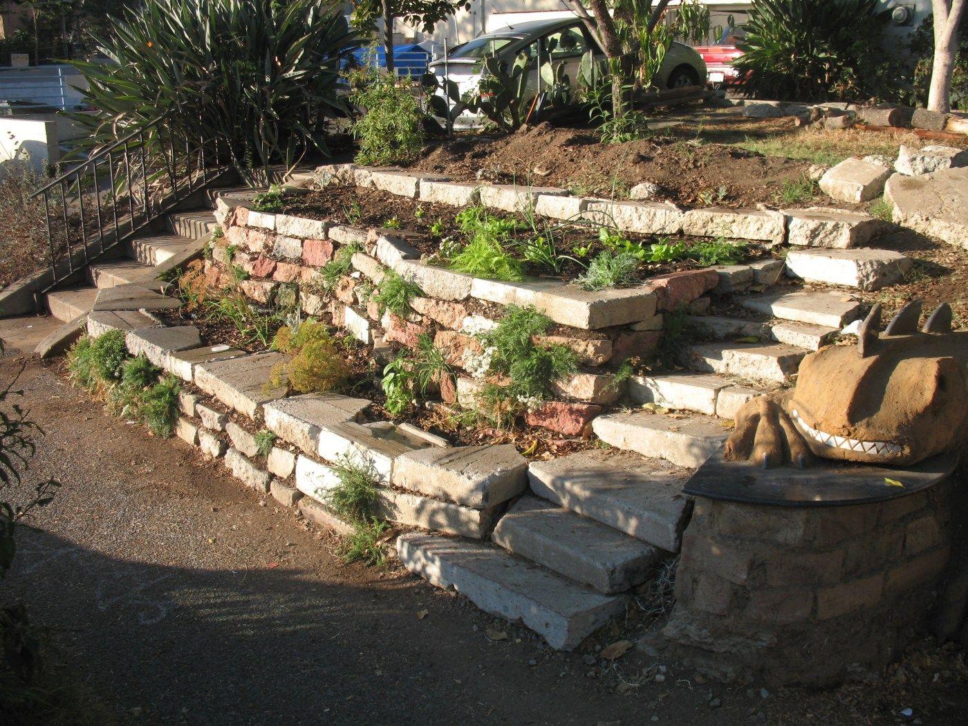 Terraced garden | Sloped garden, Terraced landscaping ...