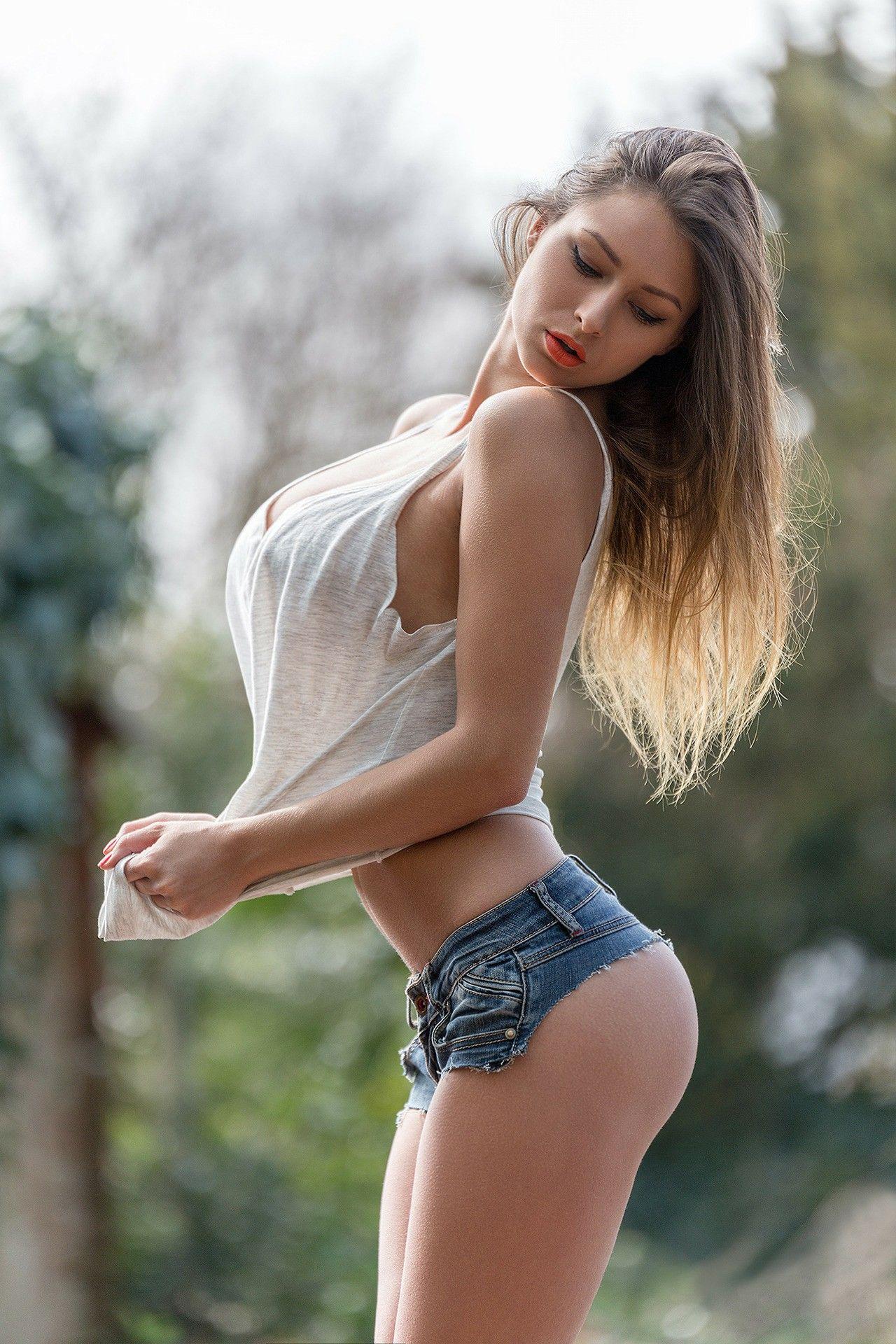 Talk to hot women online
