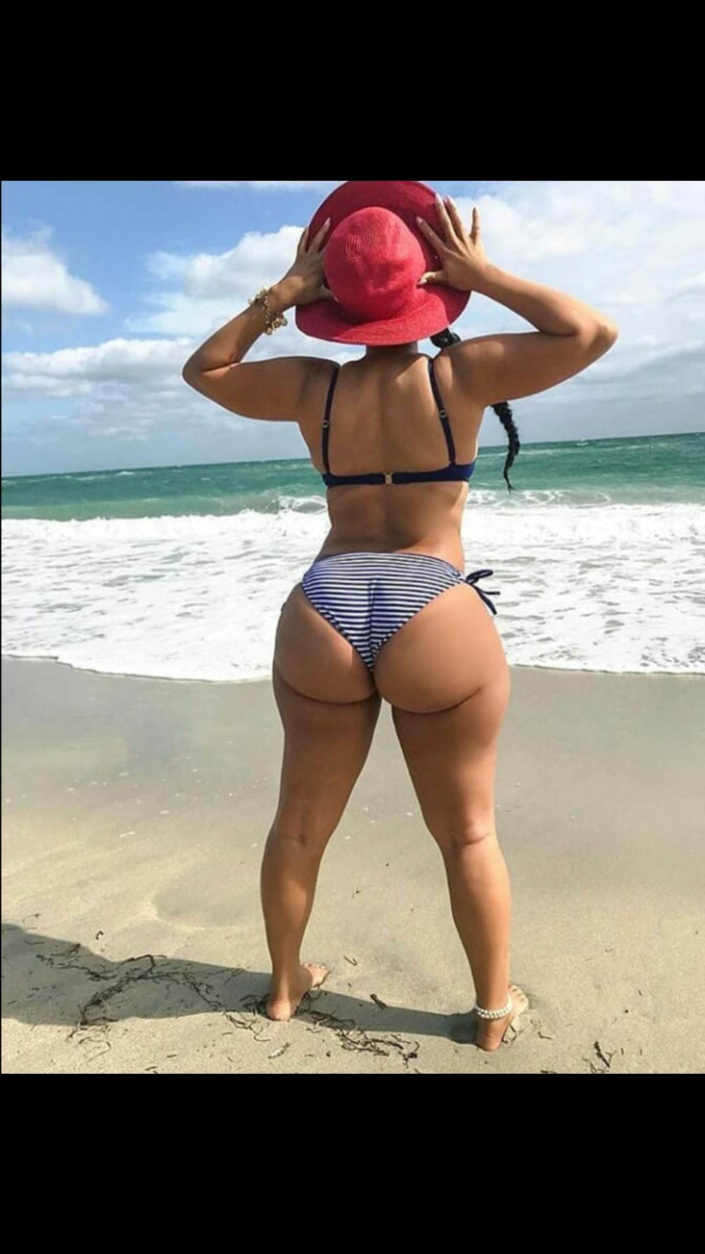 fette-bottom-girls-im-bikini
