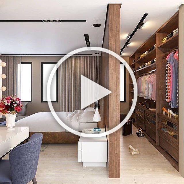 Inspiração para fechar a noite {} Olha que ângulo lindo que dá para ver a integração entre quarto de casal e closet! Ameiiiii! . . {} Me siga também no @andreaalcantara  . . #homeDecor #projetos #decoração #interiores #arquitetura #decor #interiordesign #blogalmocodesexta #grupodecordigital #olioliteam #bedroom #quarto #closet