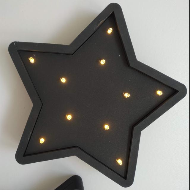 Estrella Negra 20cm Con Led Blanco O Calido En 2020 Led Led A Pilas Paredes Iluminadas