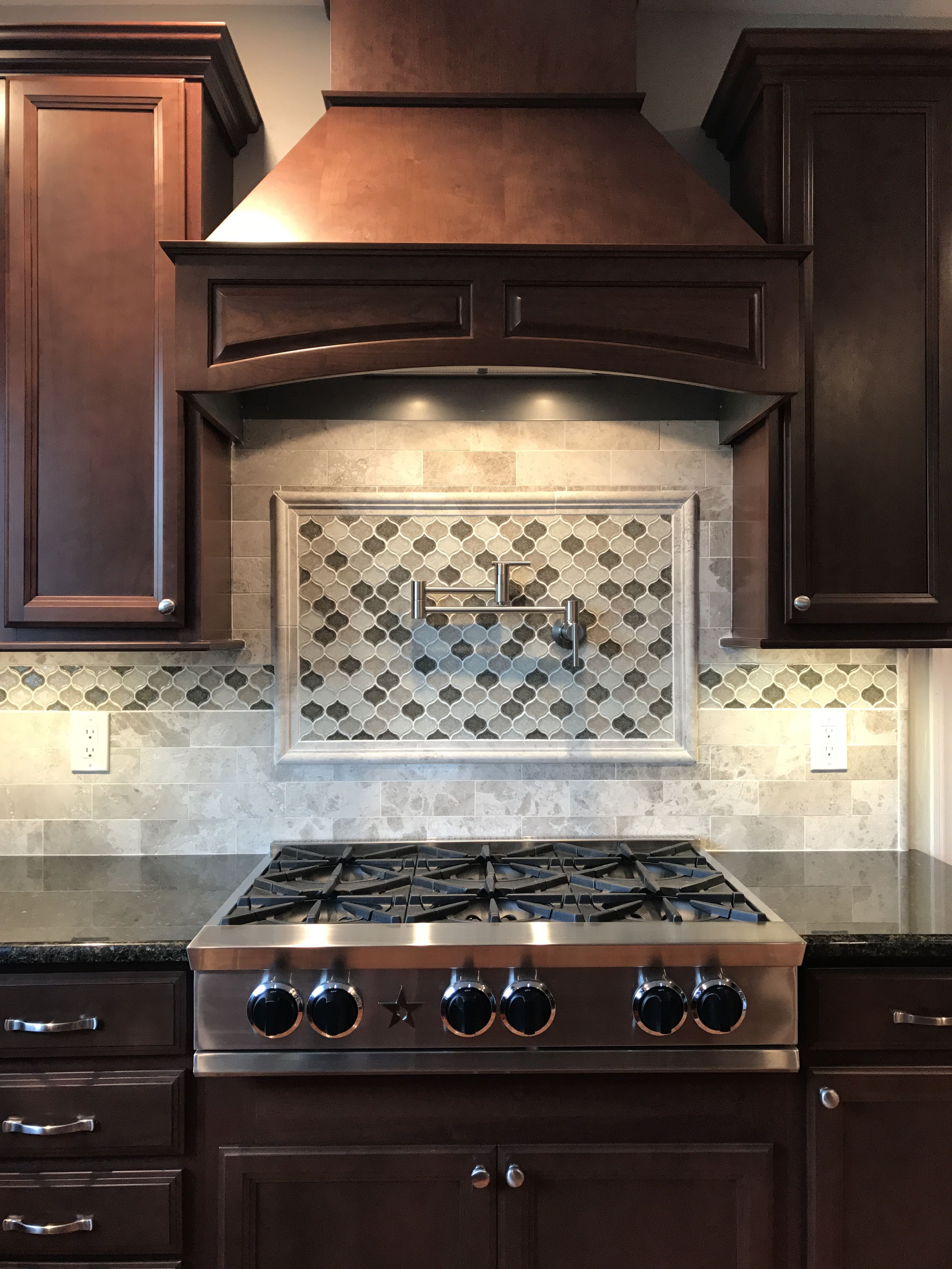 Bluestar Rnb 36 Range Marble Subway Backsplash Arabesque Mosaic