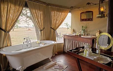 Tanzania: Horned heads and clawfoot baths on a Serengeti safari