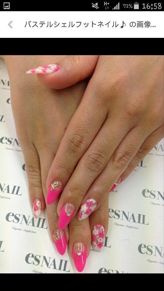 French fucsia nail art fiori