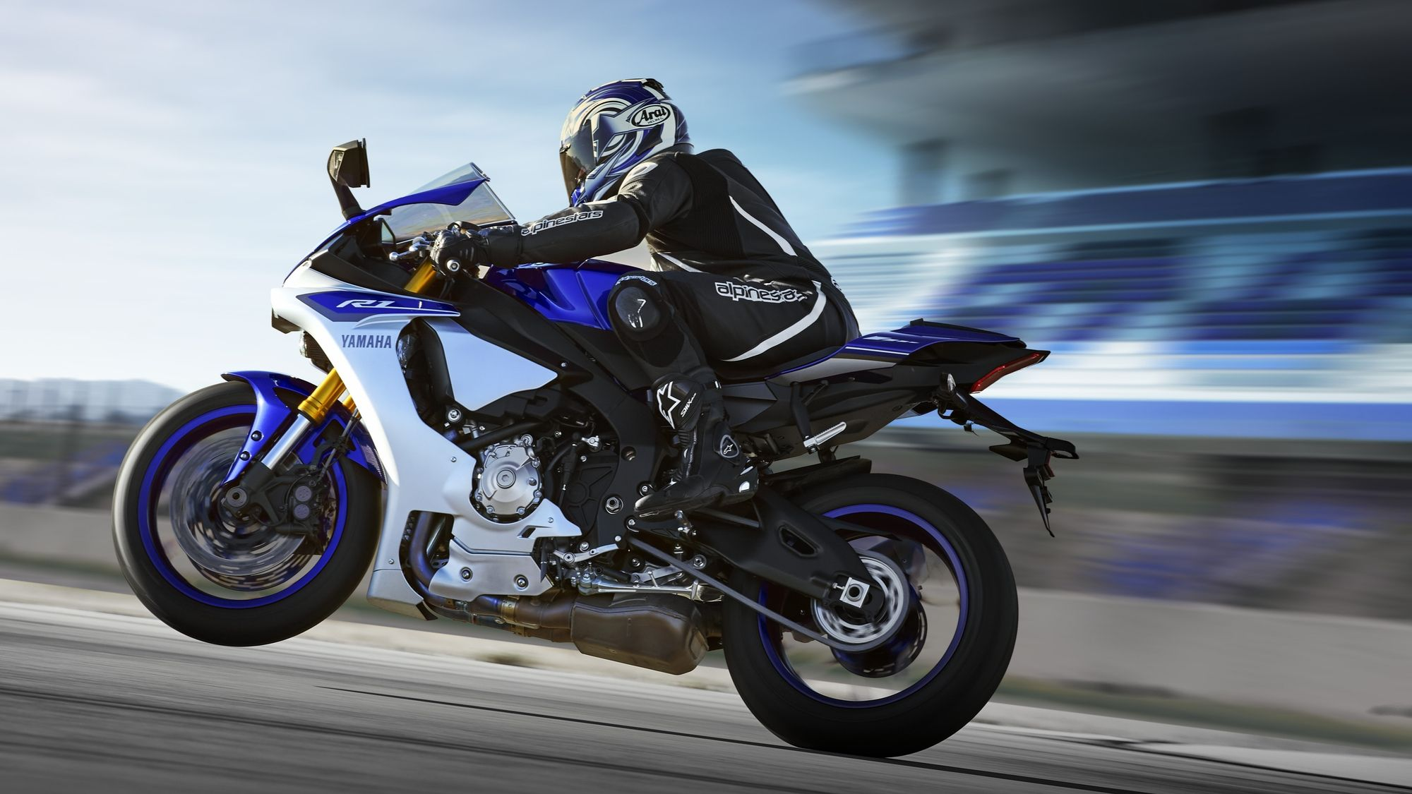 Yamaha YZF R1M 2015 Wallpapers (105 Wallpapers