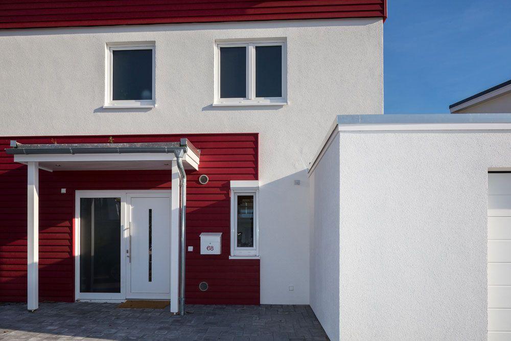Moderne Hauseingänge moderner hauseingang eines ökologischen familyhauses hauseingänge