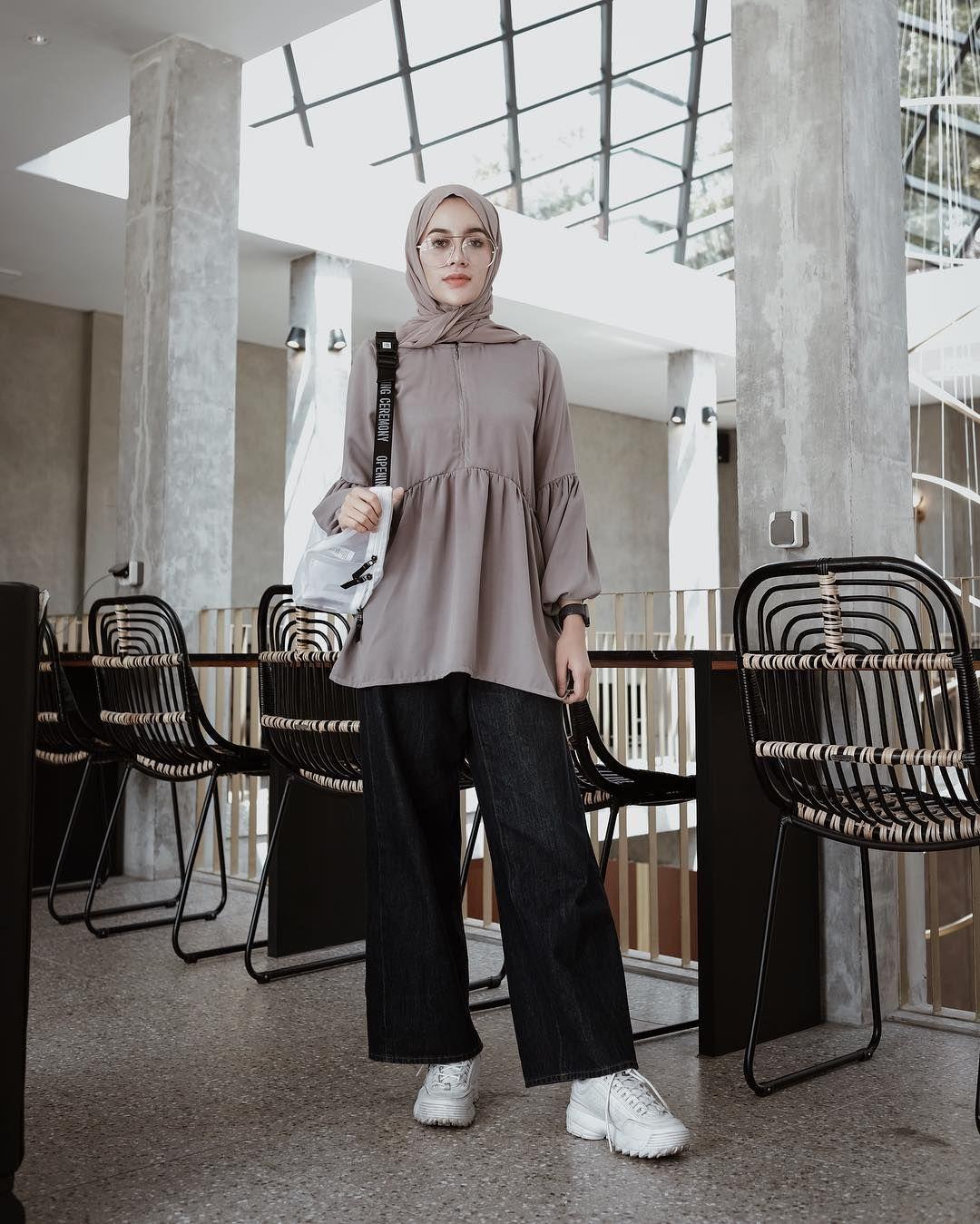 Hifdzan Sn Aghnia Di Instagram Grey Kinda Day Yeppushop Model Pakaian Hijab Model Pakaian Model Pakaian Muslim
