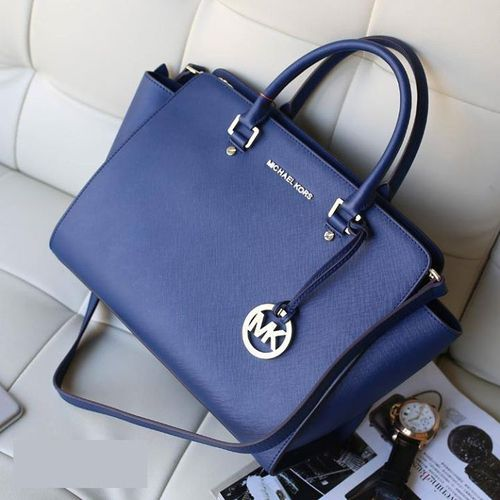 14cdc5524d57 Navy Blue Michael Kors purse I like but I think in black