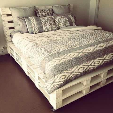 55 Best DIY Pallet Bedroom Design Ideas #palletbedroomfurniture