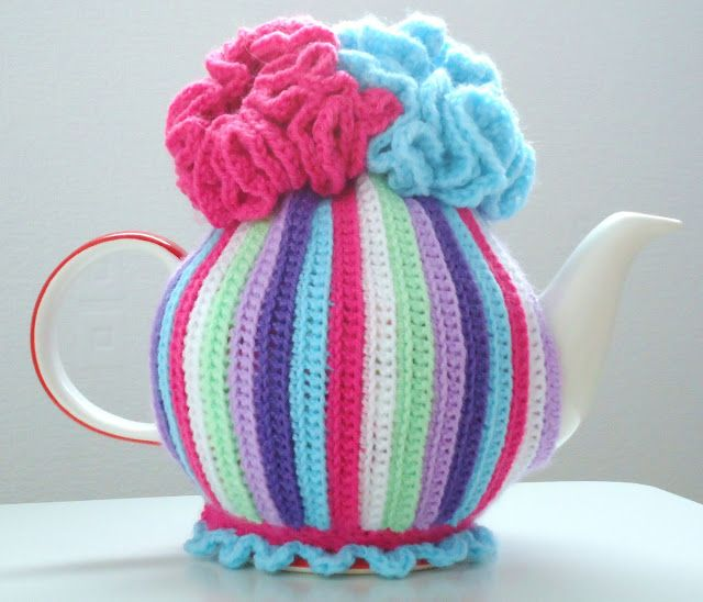 MemeRose: Crochet tea cosy pattern... youTube tutorial. fp | Sewing ...