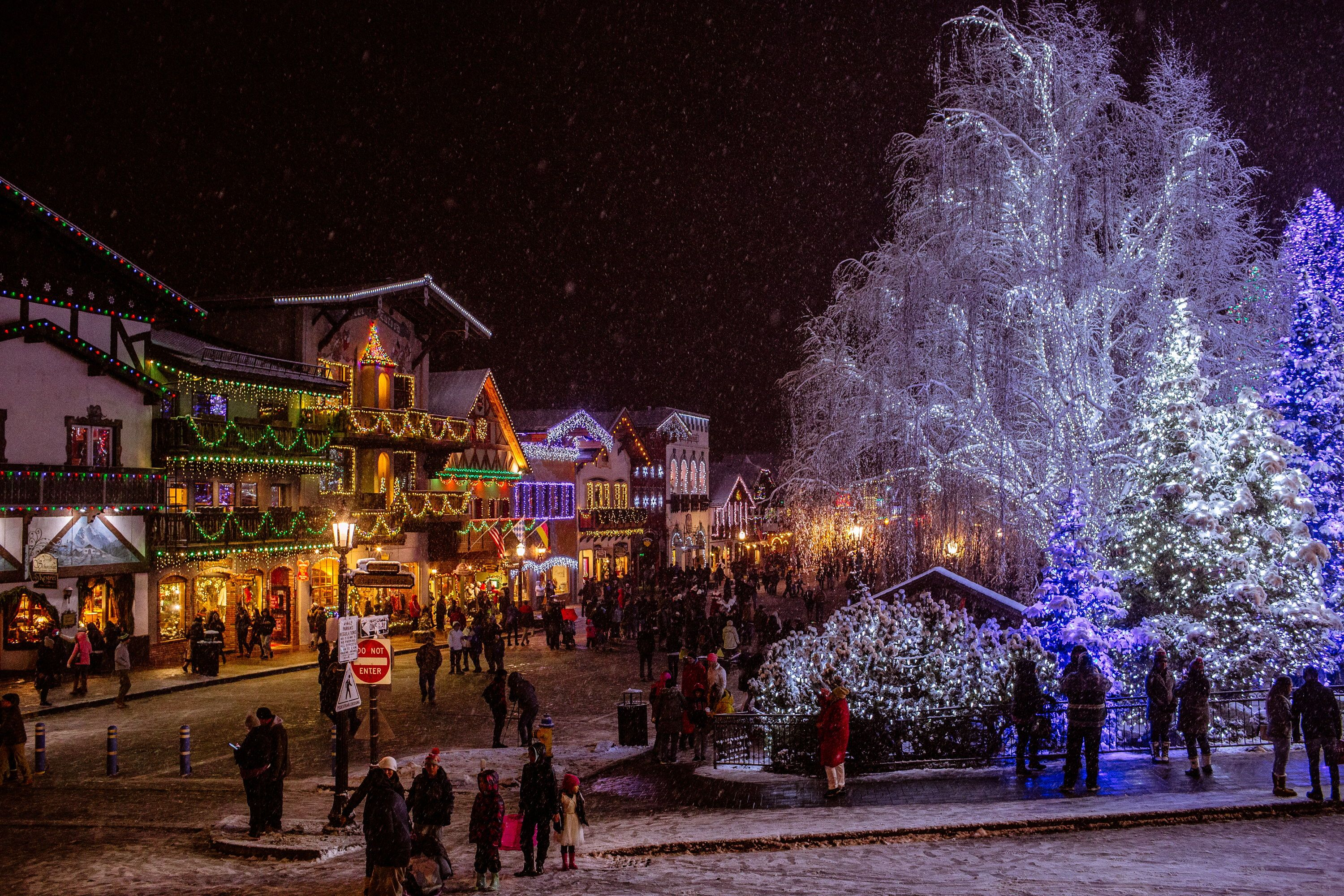 12 Festive Leavenworth Christmas Activities You Ll Love Update 2019 Leavenworth Christmas Washington Road Trip Leavenworth