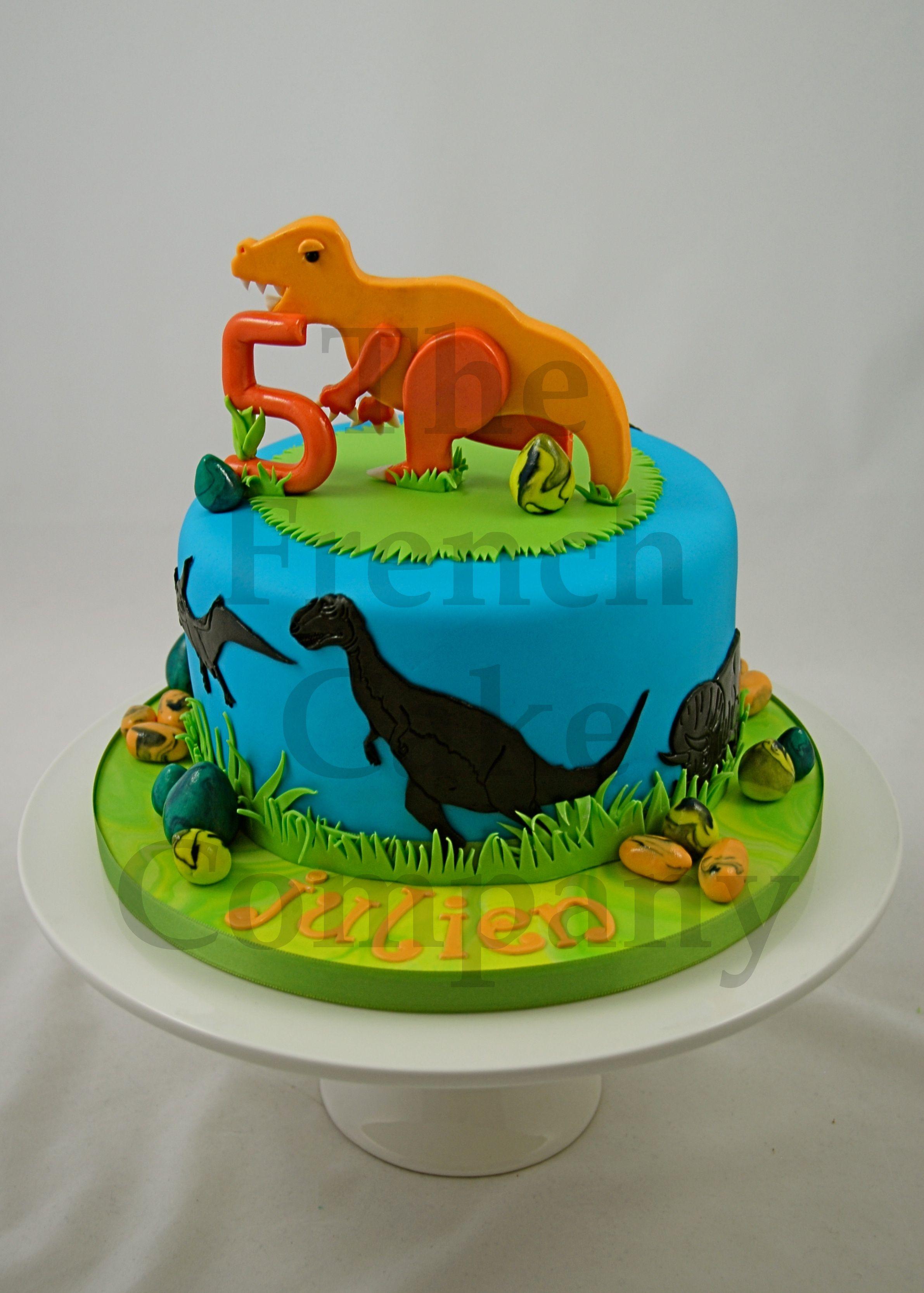 cake for boys dinosaur gateau d 39 anniversaire pour. Black Bedroom Furniture Sets. Home Design Ideas