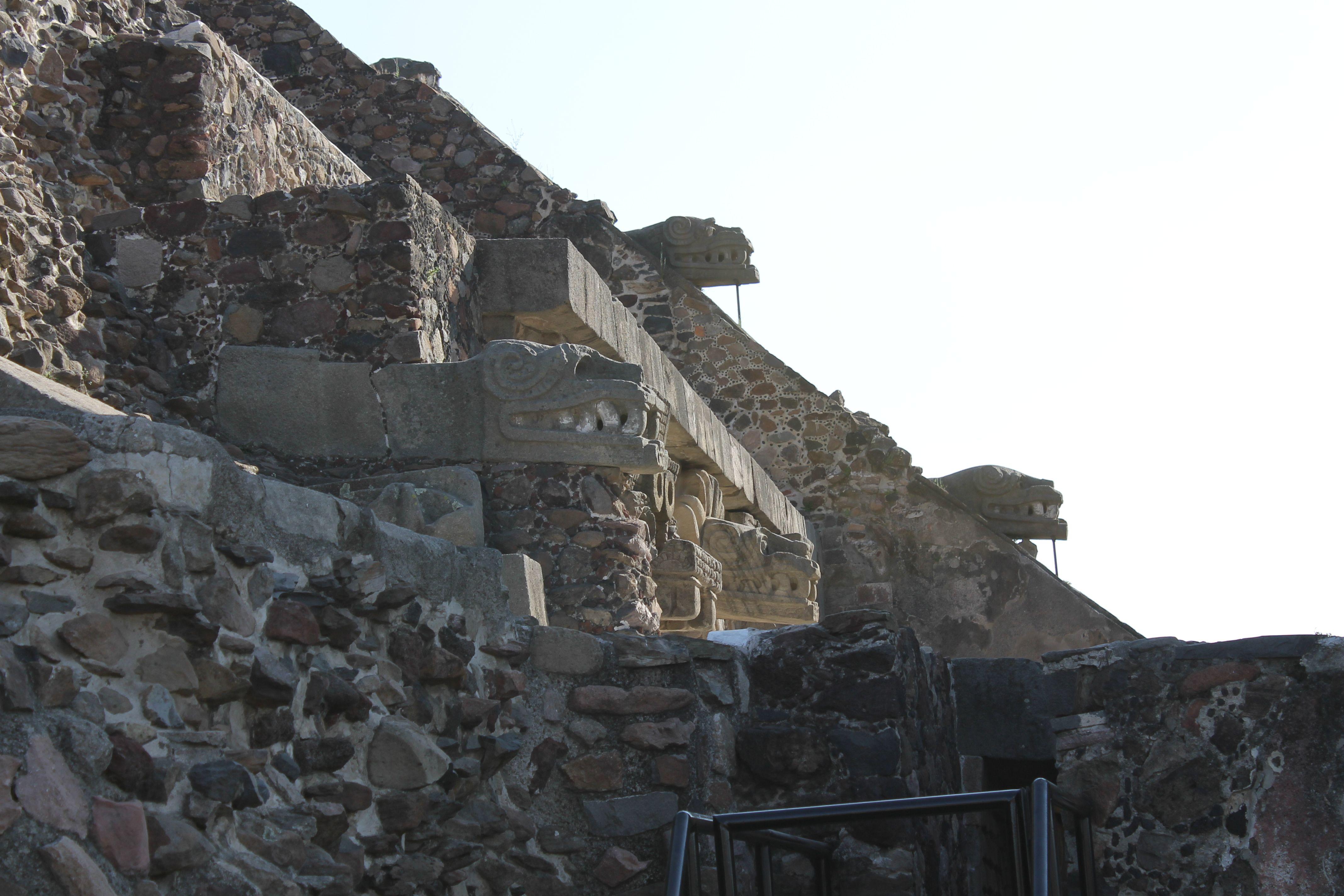 Xico. Templo De La Serpiente Emplumada Quetzalcatl