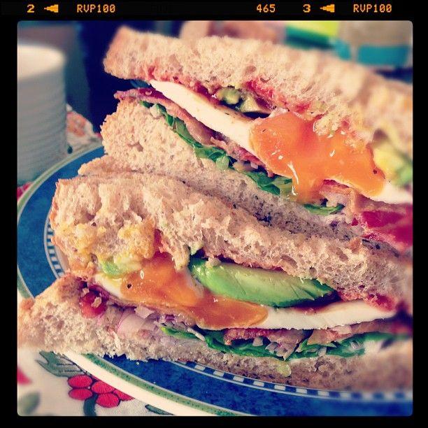 Lunch♡  ベーコン&エッグ&アボカドサンド♪♪ - @hiroko305- #webstagram