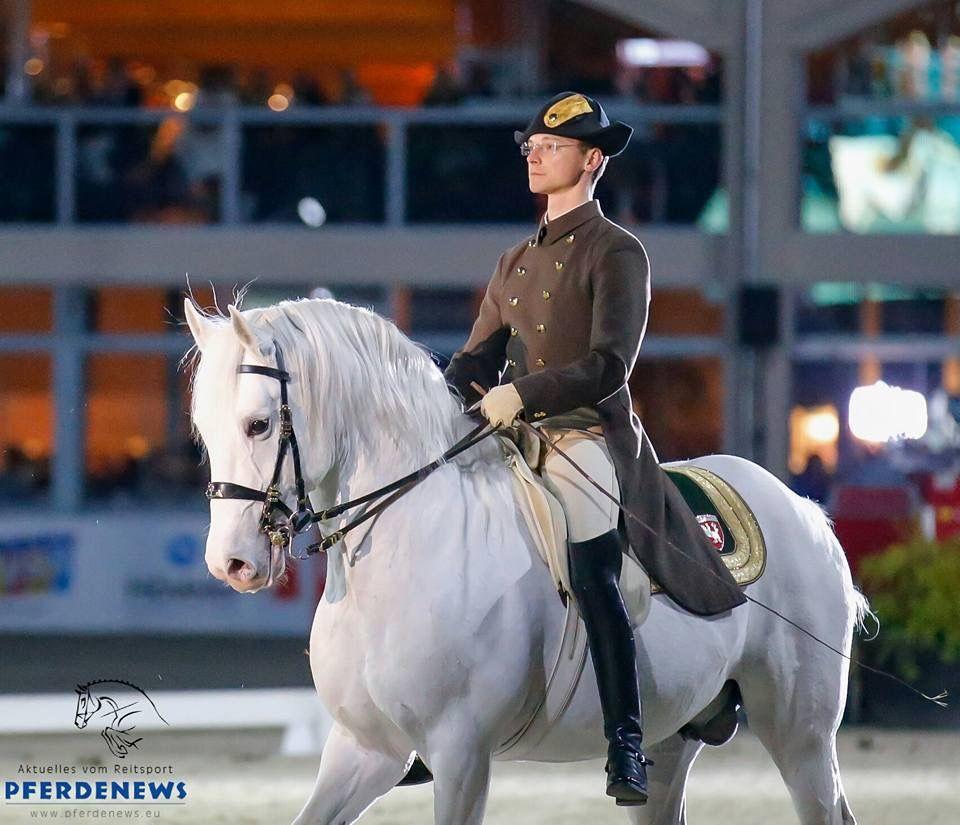 Pin By Pat Kimble On Equestrian Schools Horses Riding Helmets Equestrian