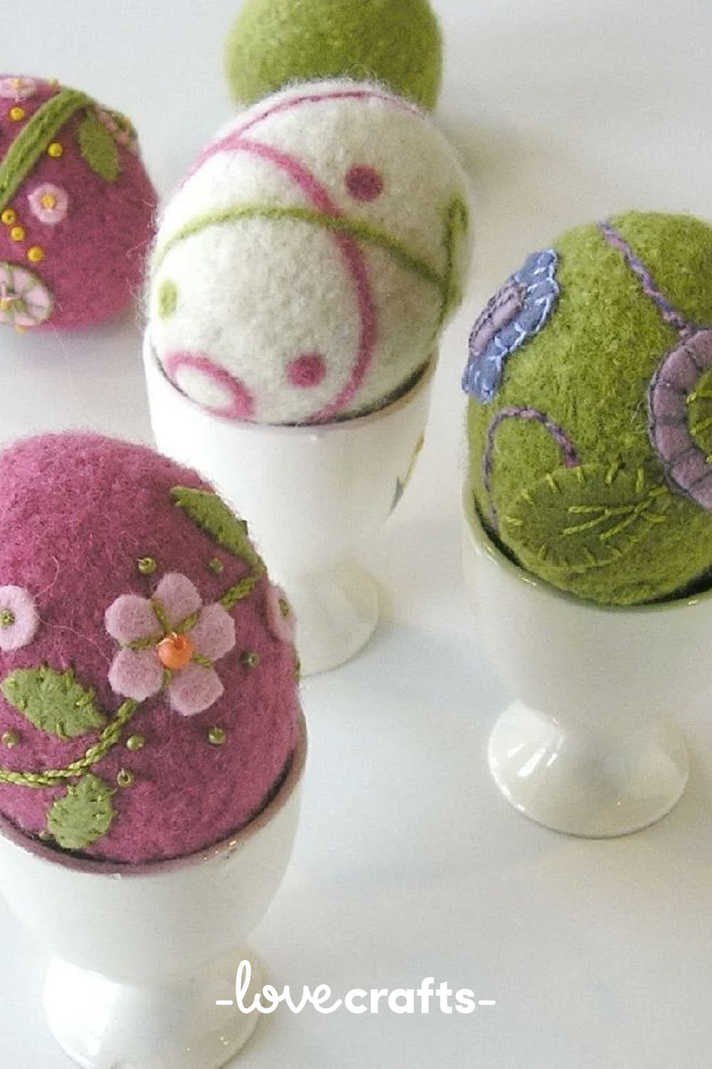 Needle felted eggs pattern