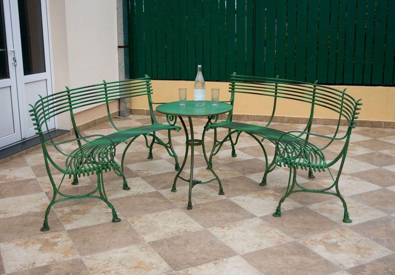 Banc Courbe En Metal Fer Forge Http Www Maisondunreve Com Mobilier De Jardin Bancs Et Banquettes De Jardin B Mobilier Jardin Banquette Jardin Fauteuil Jardin